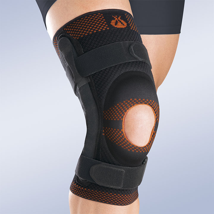 OPENED PATELLA KNEE BRACE W/ SILICONE PAD AND POLYCENTRIC REINFORCEMENTS