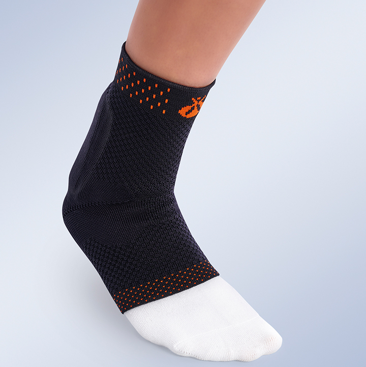ELASTIC ANKLE BRACE WITH ACHILLES TENDON PAD AND HEEL CUSHION ACHILLOSIL®