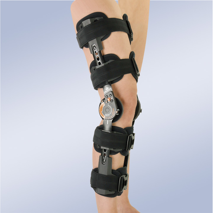 KNEE BRACE WITH FLEXION AND EXTENSION STOPS