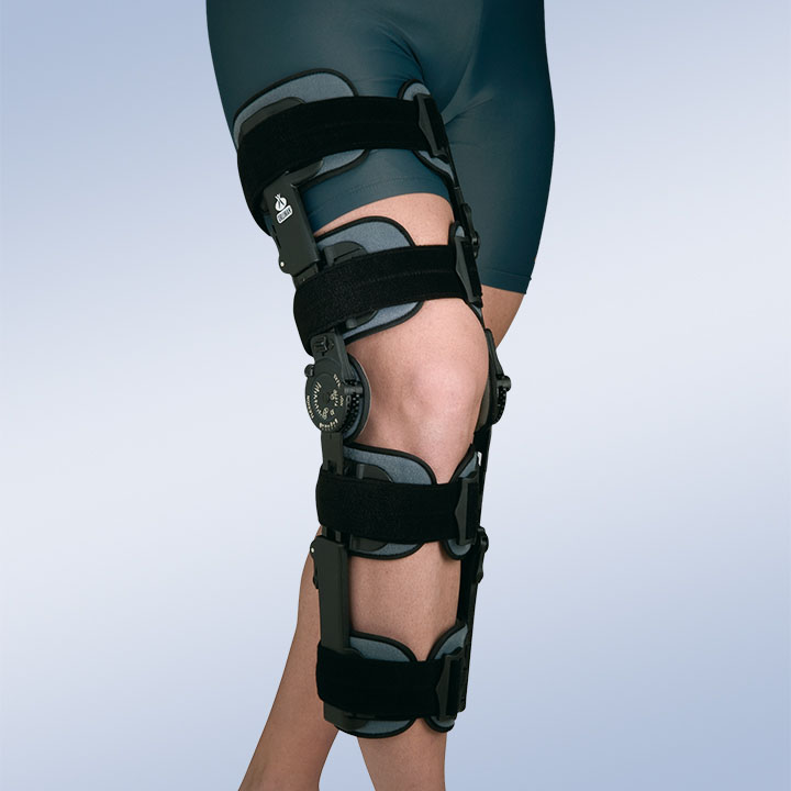 ADJUSTABLE KNEE ORTHOSIS WITH LOCK SYSTEM