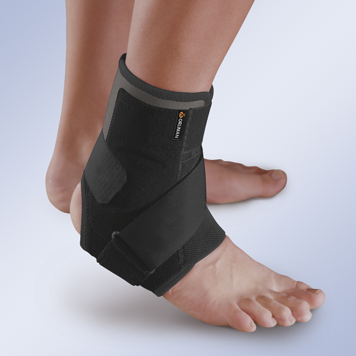 BREATHABLE ANKLE SUPPORT WITH THERMOPLASTIC PLATES