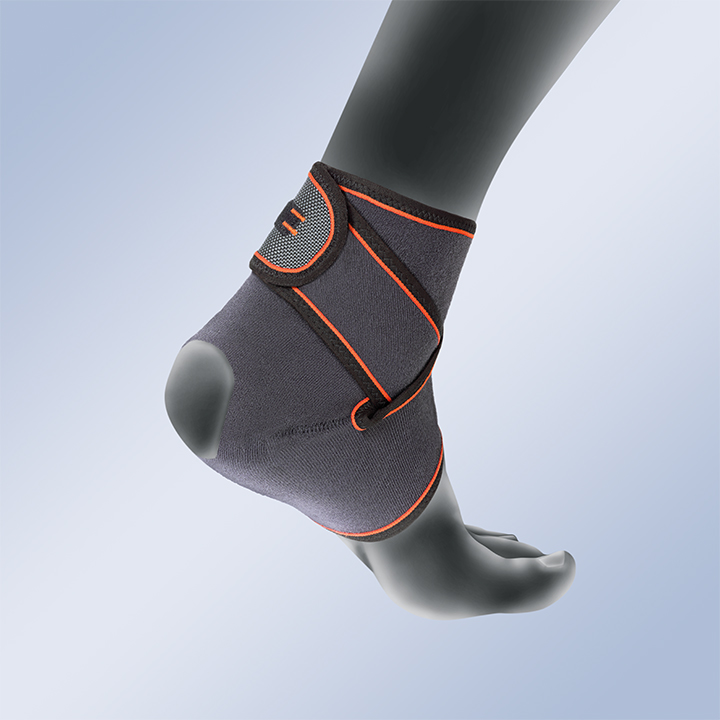 ANKLE SUPPORT WITH FIGURE-OF-EIGHT STABILISATION SYSTEM