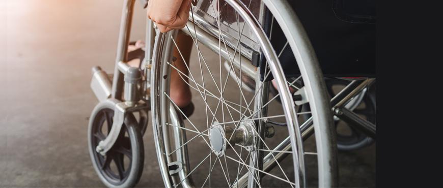 Arneses técnicos en neopreno, sujeción terapéutica en la silla de ruedas