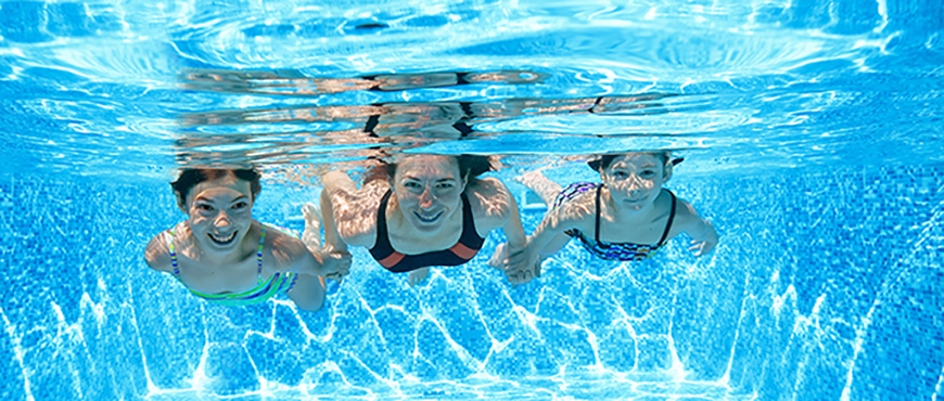 Descubre los beneficios de los ejercicios de natación terapéutica