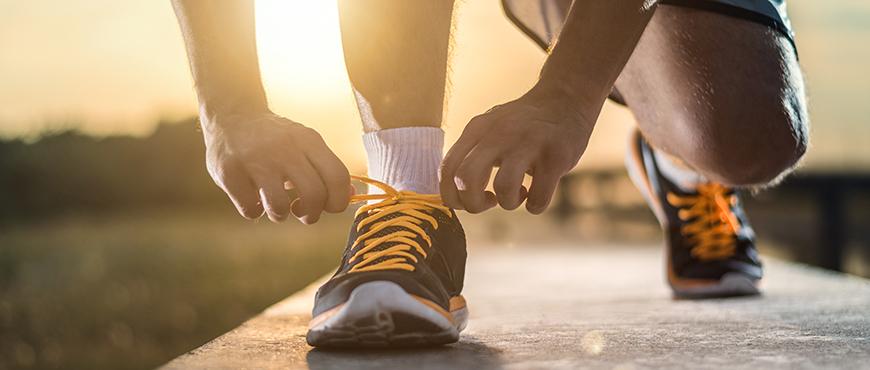 Cómo prevenir sobrecargas deportivas al aire libre